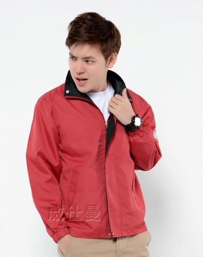 红色工作服风衣